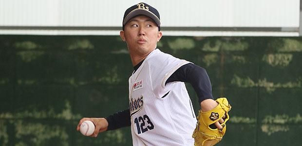 佐藤峻一  投手